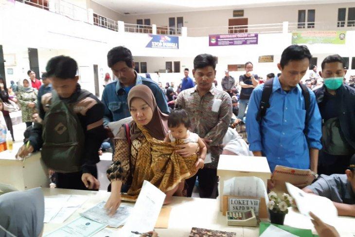Tangerang alihkan pelayanan adminduk melalui medsos terkait  pandemi  COVID-19