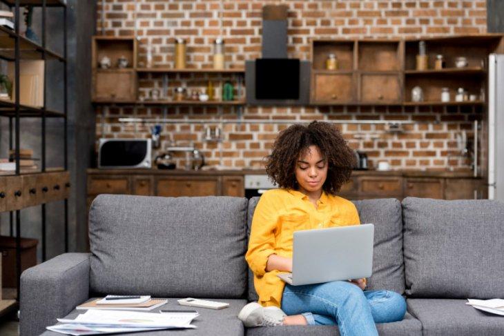 Hasil Riset : Karyawan pilih bekerja secara daring atau hibrida