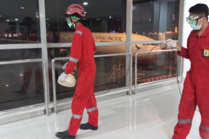 Fasilitas Bandara Juanda disemprot disinfektan setiap hari (Video)
