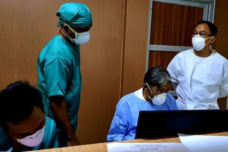 Jarot besuk pasien suspect Covid-19