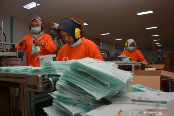 Kemenperin pastikan bahan baku  untuk produksimasker tersedia