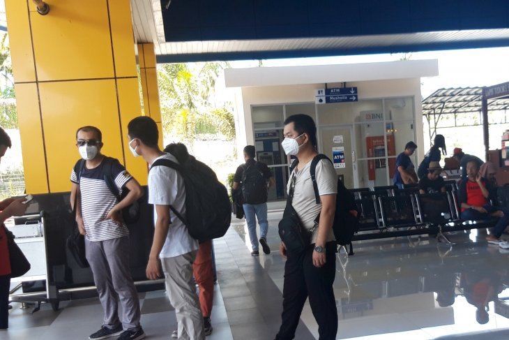80 ASN Malut diperiksa di bandara Babullah Ternate
