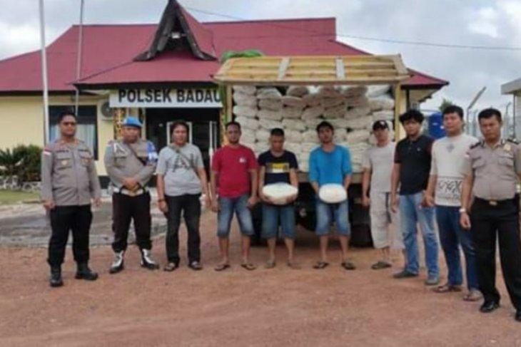 Ikut amankan Corona, TNI justru berhasil amankan gula selundupan