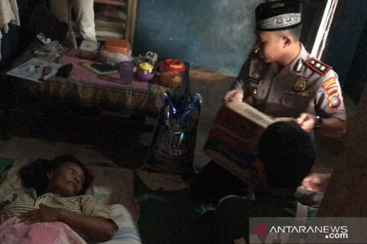 Polres Bangka Barat salurkan santunan kepada penderita kanker di Mentok