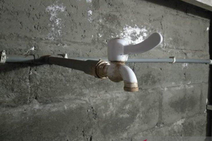 Empat hari suplai PDAM terhenti, warga Takengon kesulitan air bersih