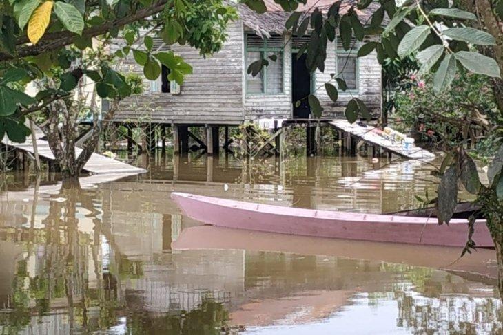 BPBD Kapuas Hulu : selain Corona masyarakat juga mesti waspda banjir