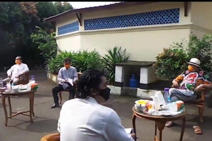 Gubernur Banten Wahidin Halim lakukan perubahan sejumlah regulasi terkait COVID-19