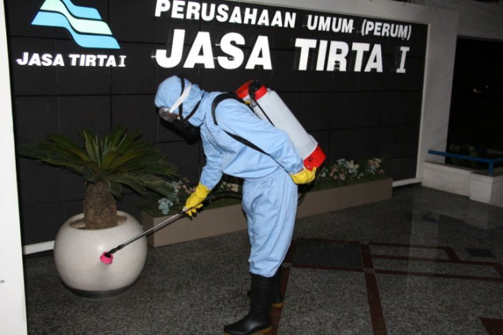 Waspada COVID-19, Jasa Tirta I sterilisasi kantor dan lokasi wisata
