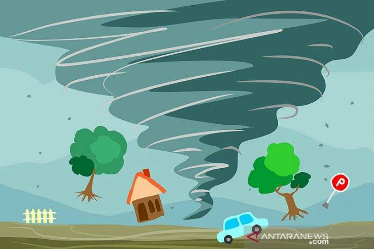 Angin ribut sapu 17 rumah di Tapanuli selatan