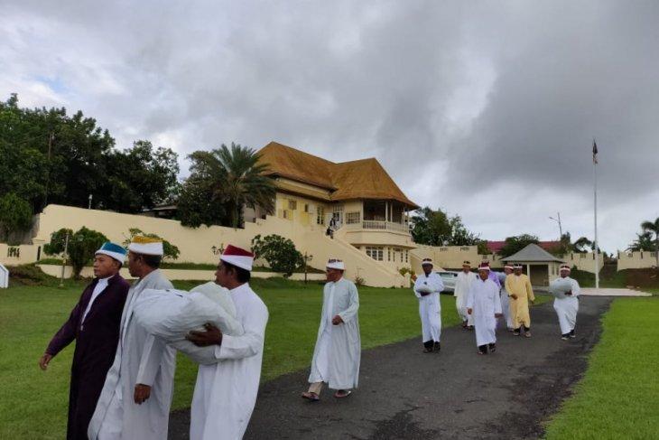 Kesultanan Ternate gelar ritual tolak bala doakan terhindar COVID - 19
