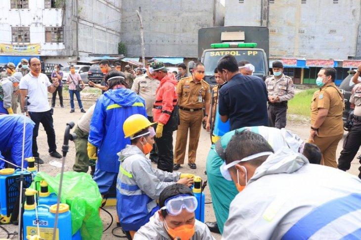 Pemkot Binjai libatkan 30 personel semprot Pasar Tavip