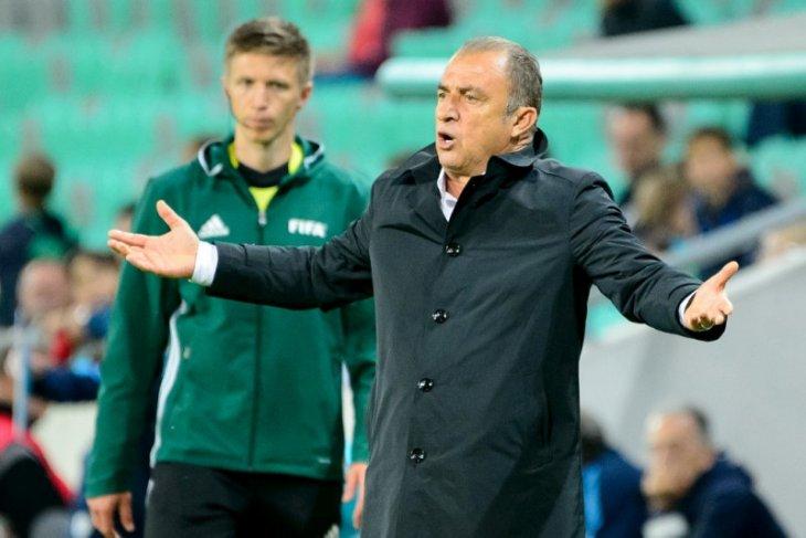 Pelatih Galatasaray  Fatih Terim positif virus corona