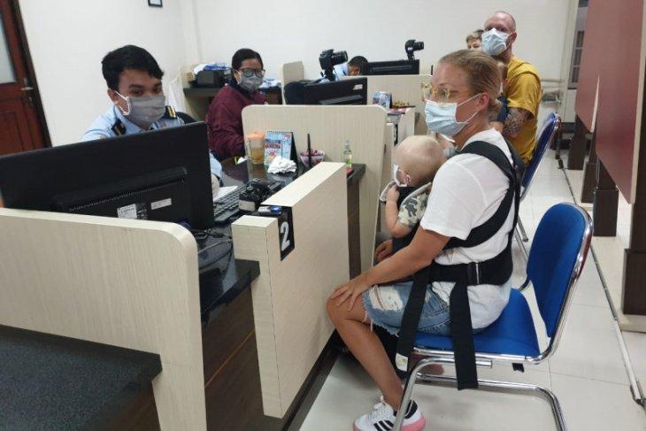 Ratusan WNA ajukan perpanjangan izin tinggal darurat di Bali
