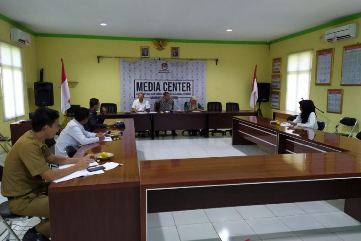 Bawaslu Bangka Tengah minta KPU sosialisasikan penundaan Pilkada 2020