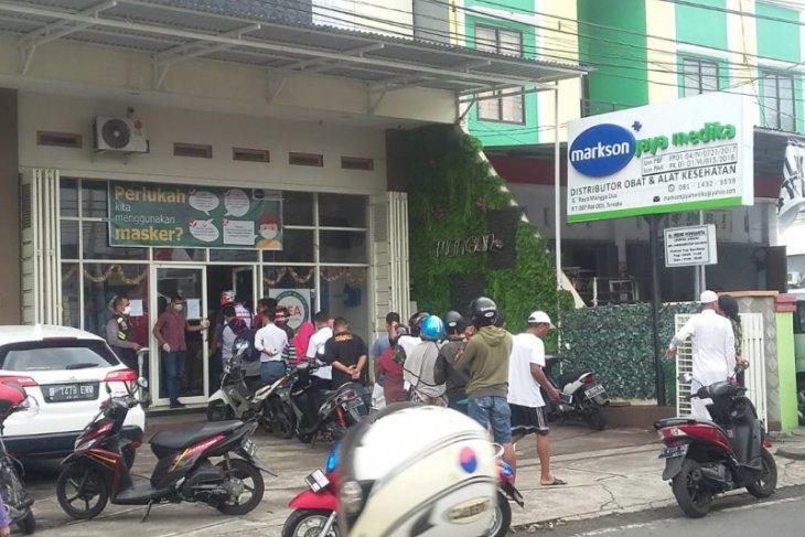 Apotik di Ternate batasi jual masker
