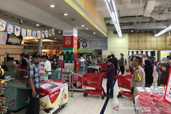 Ensuring health and safety of supermarket workers