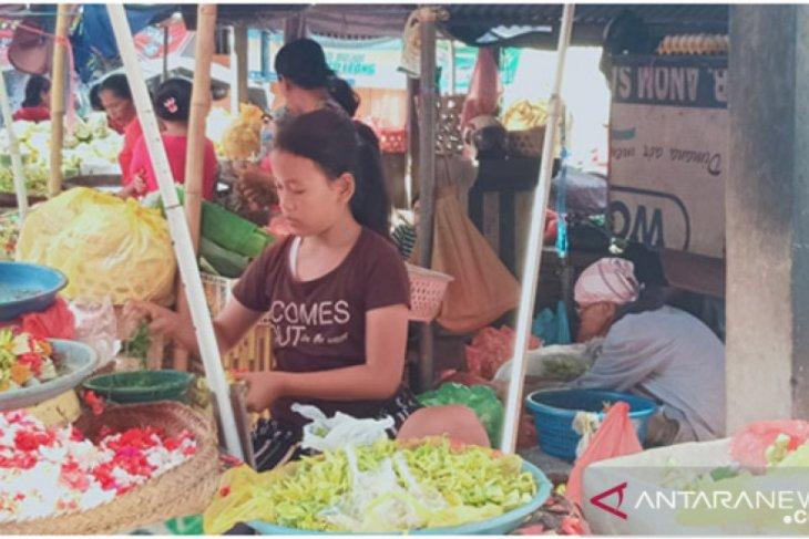 Pasar sarana ritual di Buleleng terlihat ramai jelang Nyepi
