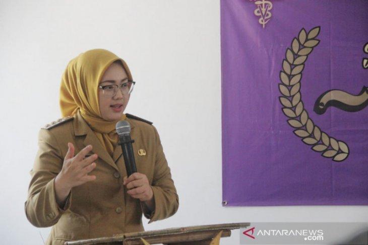 Bupati Purwakarta Anne Ratna Mustika akan jalani tes swab