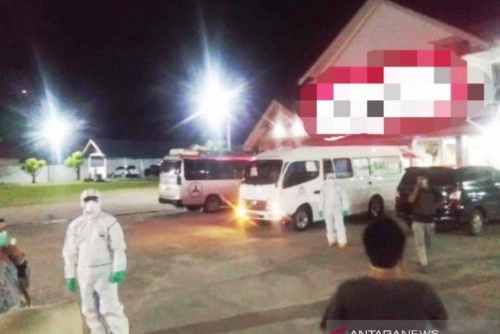 Tiga karyawan Indomaret dievakuasi ke RSUZA Banda Aceh dari Aceh Barat