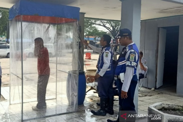 Dishub Karawang siapkan bilik dinsinfektan di Terminal Klari