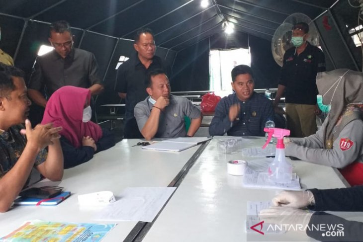 DPRD Belitung tinjau posko utama gugus tugas COVID-19