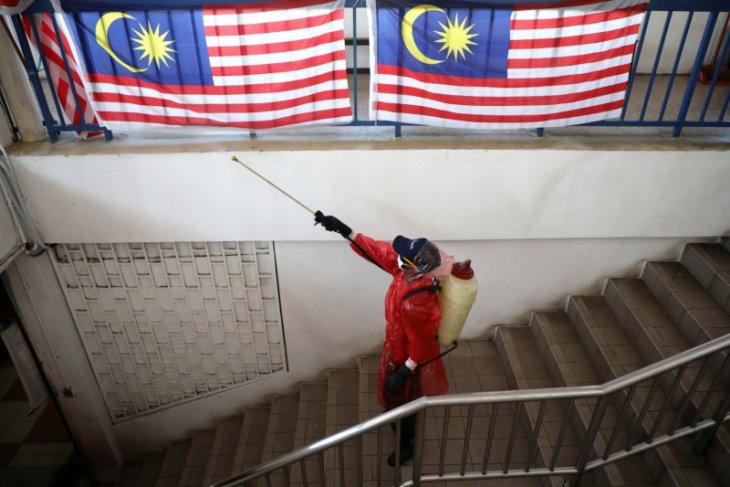 73 petugas kementerian kesehatan Malaysia positif corona