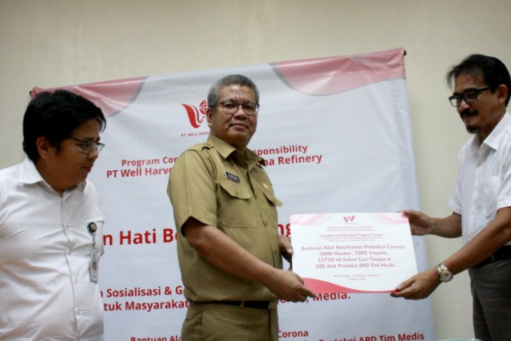 PT WHW AR salurkan bantuan alat pelindung kesehatan ke masyarakat Kalbar