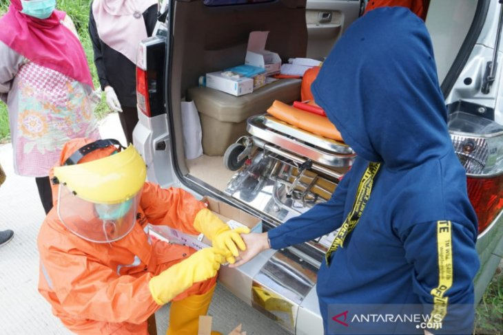 687 warga Bekasi jalani rapid test COVID-19