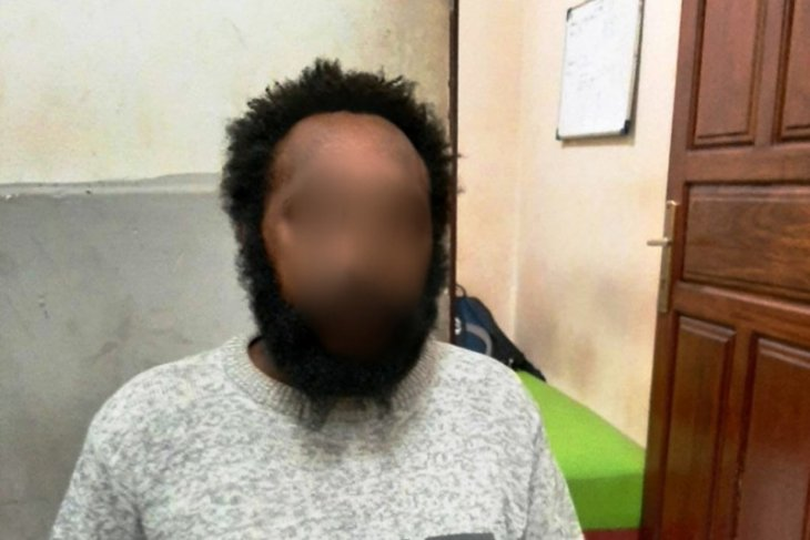 Polresta Jayapura tangkap JT,  suami aniaya istri dengan kayu balok