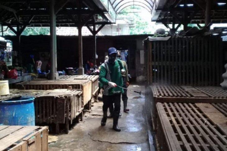 Pemkot Surabaya belum ada rencana tutup pasar tradisional