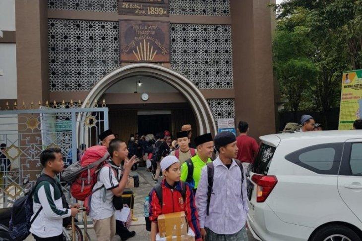 Pesantren Tebuireng Jombang pulangkan santrinya untuk cegah penularan COVID-19