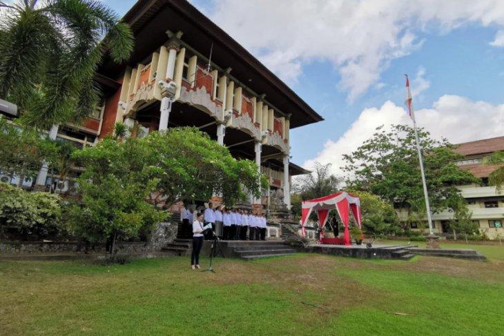 Mahasiswa asing di Universitas Udayana belajar online/daring