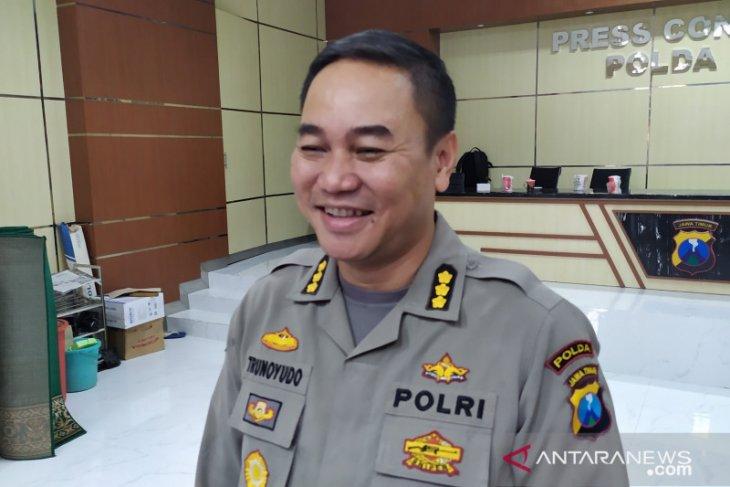 Berkerumun tak mau dibubarkan, 249 orang di Jatim diamankan polisi