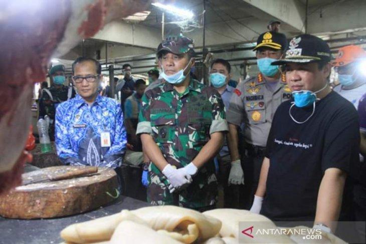 Wali Kota Banjarmasin: Stok ayam dan daging banyak