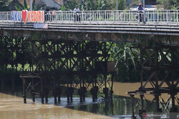 Jembatan cagar budaya di Kediri