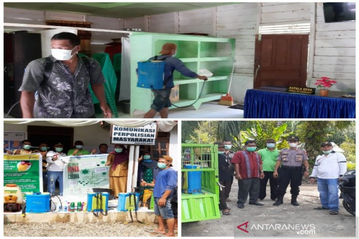 Penyemprotan disinfektan di Desa Situmba Tantom Angkola