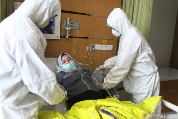 BNPB provides 349,000 pieces of protective gear to medical teams