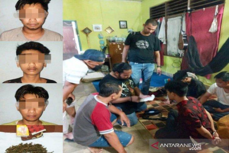 Polres Banjarbaru amankan dua mahasiswa mengkonsumsi ganja