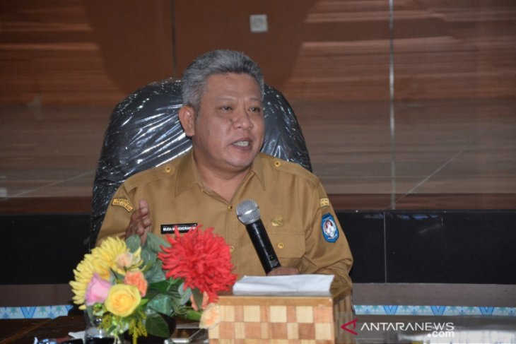 Bupati Kubu Raya minta masyarakat hentikan kegiatan keramaian