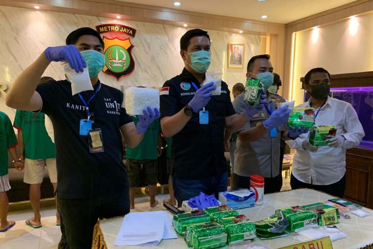 Police thwart attempt to sell 11 kg of crystal meth