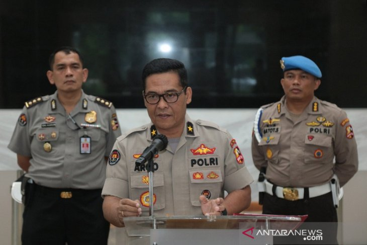 "Indonesian police officers, families banned from embarking on ""mudik"""