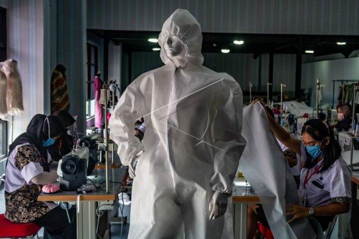 Produksi alat pelindung diri