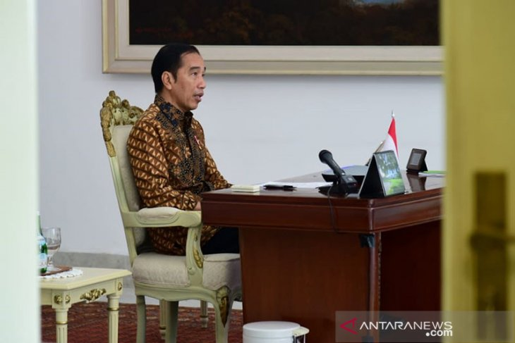 Jokowi orders strict monitoring of returning migrant workers