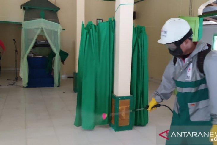PMI Kabupaten Gorontalo semprot dIsinfektan di fasilitas publik