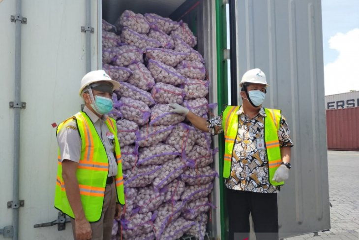 Task force head confirms 52,000 tons garlic arrived from China