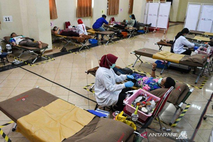 Anies wajibkan seluruh pegawai mendonorkan darah