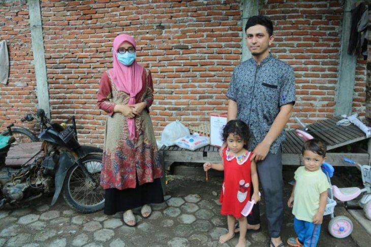 Keluarga Besar Pemerintah Aceh serahkan bantuan untuk tim medis