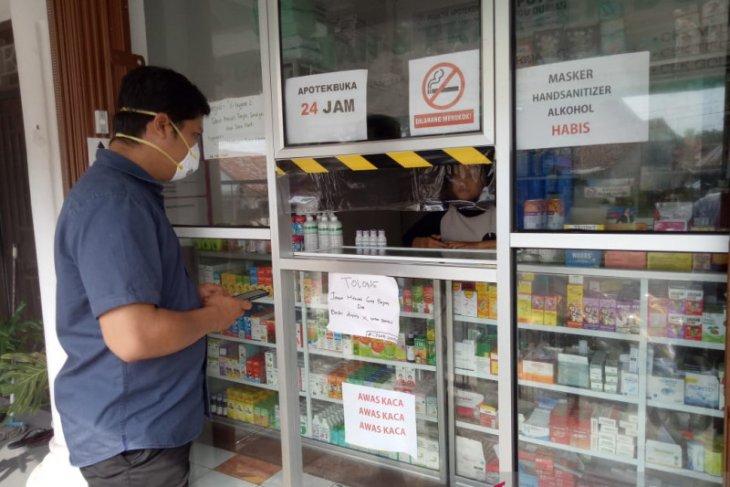 Polisi Bangka Barat pantau apotek cegah penimbunan masker