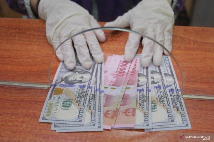 Kurs rupiah melemah dipicu kembalinya pasar ke aset safe haven