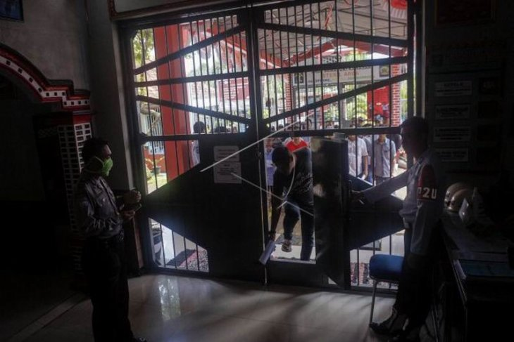 Pembebasan warga binaan Rutan Batang